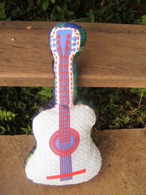lubiesdefilles-guitare-doudou