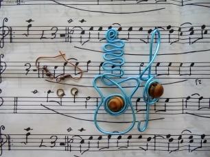 boucles d'oreilles fil aluminium guitare lubies de filles