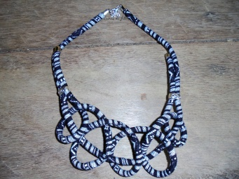 collier cordon en wax lubies de filles05