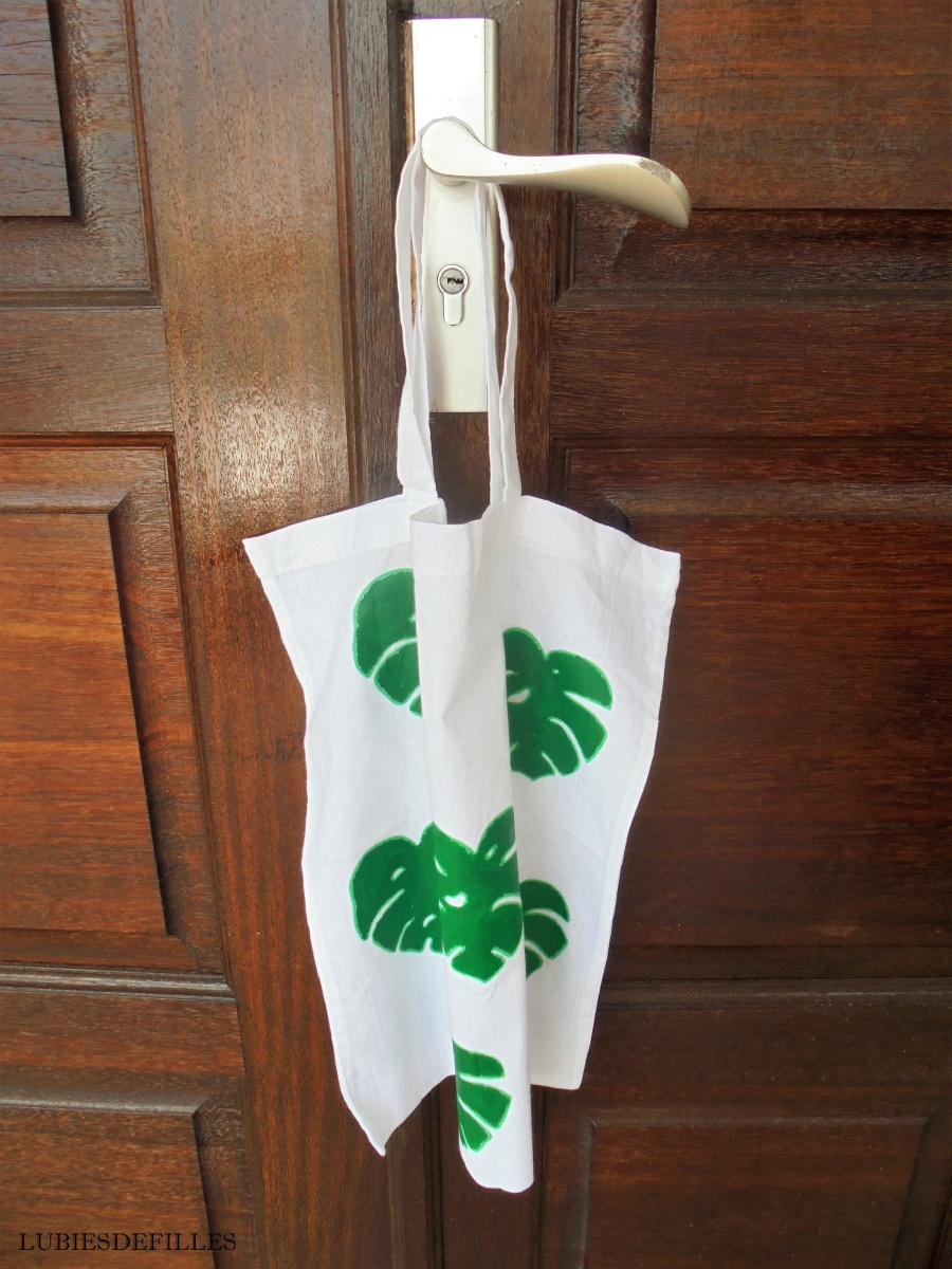 DIY  un tote bag cactus et feuilles de monstera