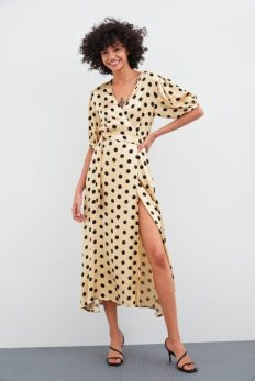 robe-portefeuille-à-pois-zara